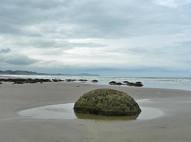 Moeraki boulders #1, Koekohe Beach, 2013